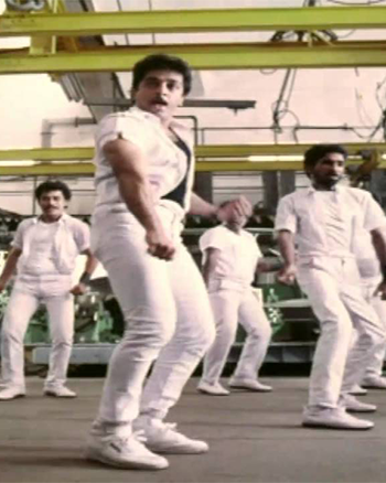 Raja Kaiya Vecha Song Lyrics