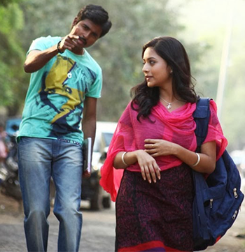 Nijamellam Maranthu Pochu Song Lyrics