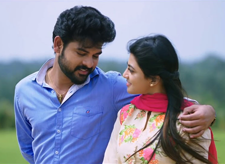 Oru Thattana Pole Song Lyrics
