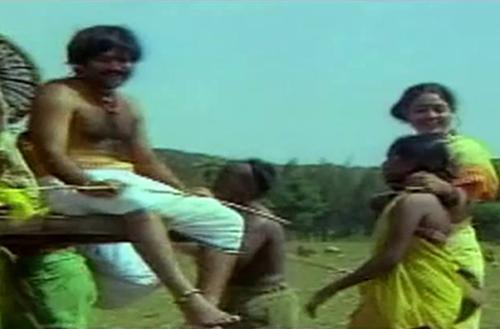 Yaarum Vilaiyaadum Thottam Song Lyrics