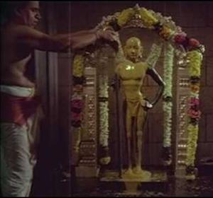Varuvaandi Tharuvaandi Malayaandi Song Lyrics