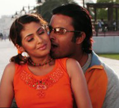 Kangalinal Song Lyrics