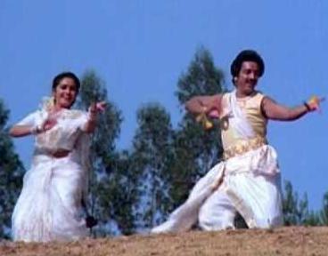 Nadha Vinodhangal Song Lyrics
