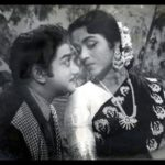 Nadhi Engae Pogiradhu Song Lyrics