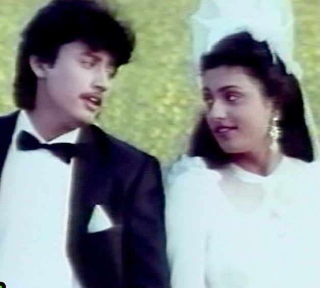 Nila Kaayum Neram Song Lyrics