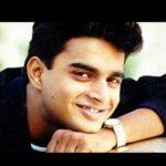 Parthale Paravasam Song Lyrics
