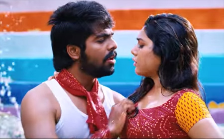 Mutham Kodutha Maayakaari Song Lyrics
