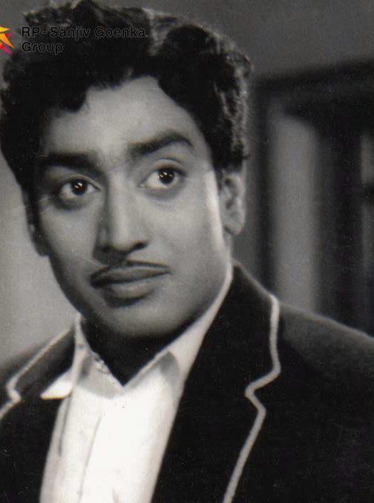 Kanakku Paarthu Song Lyrics