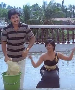 Aatti Vechaa Song Lyrics