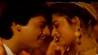 Aasai Idhayam Song Lyrics