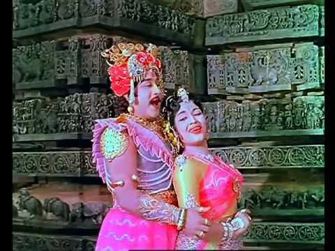 Iravum Nilavum Song Lyrics