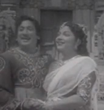 Maasila Nilave Song Lyrics