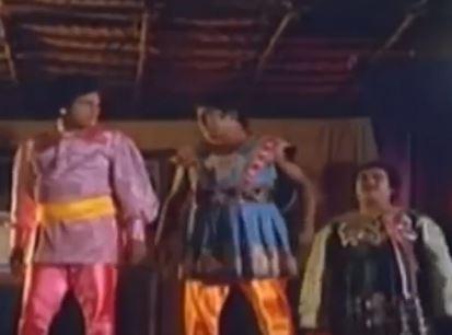 Ulagam Suthuthada Song Lyrics