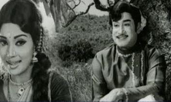 Agaya Pandhalile Song Lyrics