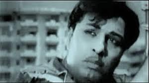 Sirippavar Silapaer Azhubavar Palapaer Song Lyrics