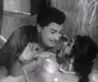 Idhuvarai Neengal Paartha Paarvai Song Lyrics