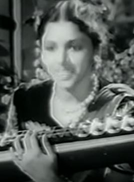 Paaviyinum Padu Pavi Song Lyrics
