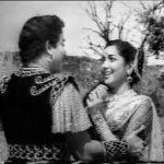 Paruvam Paartthu Arugil