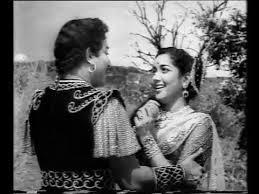 Paruvam Paartthu Arugil Song Lyrics