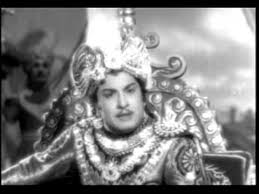 Mannavane Senji Song Lyrics