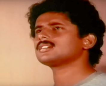 En Jeevan Paduthu Song Lyrics