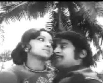 Ennodu Ennennavo Ragasiyam Song Lyrics
