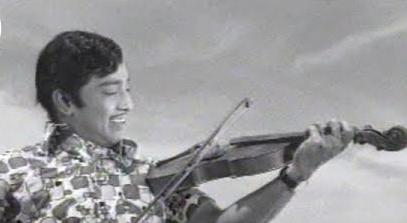 Naan Vazhkiren Song Lyrics
