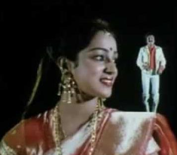 Aathadi Adhisayam Song Lyrics