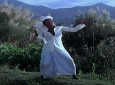 Aathoram Koovudhu Song Lyrics