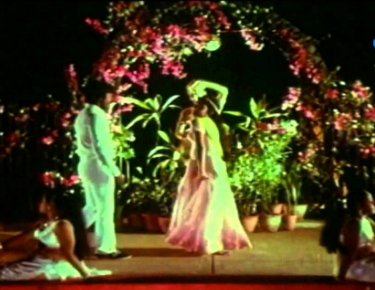 Parisam Podatha Kadhali Song Lyrics