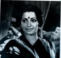 Vizhi Engum Aaduthu Song Lyrics