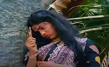 Malare Mullanaai Nee Song Lyrics