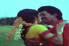 Chittukuruvi Rekkai Adichu Song Lyrics