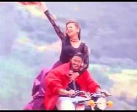 En Manadhai Kollaiyadithavalae Song Lyrics
