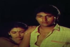 Alai Adikkira Neram Song Lyrics