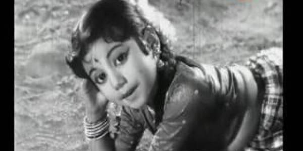 Aathoram Manal Eduthu Happy Song Lyrics