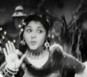 Ellorum Koodi Aadi Paadi Song Lyrics